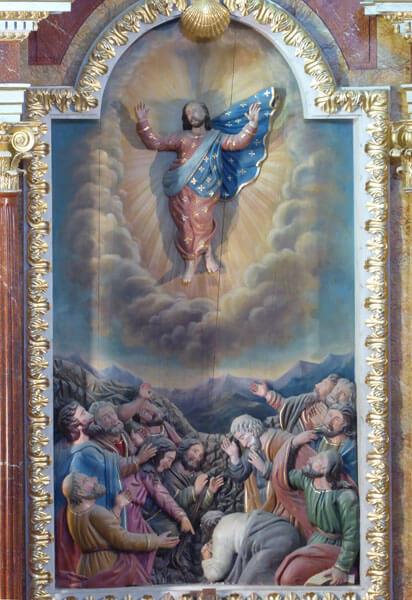 Detalle de imagen de la Ascensión del Señor en el retablo