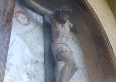 Crucificado en el exterior de la iglesia, conocido como el Notario.