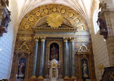 Retablo neoclásico de Santo Tomás