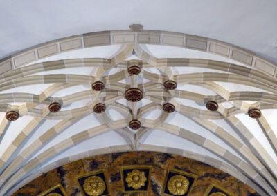 Bóveda de crucería sobre el altar