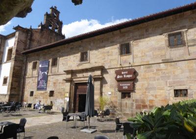 Fachada principal del Convento de Santa Clara