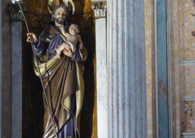 San José con el Niño y la vara florida en la mano derecha