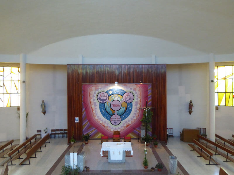 Interior de la iglesia de la Santísima Trinidad