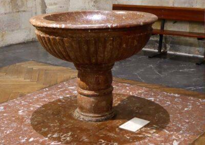 Pila bautismal realizada en el siglo XVIII