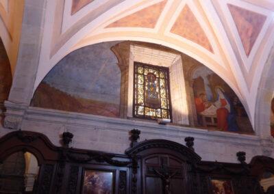 Detalle de los frescos, obra de Miguel Marañón en 1929, que decoran la sacristía
