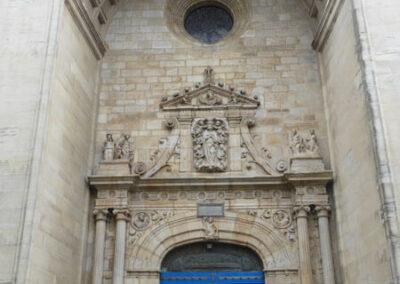 Portada principal de la basílica