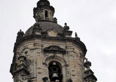 Torre campanario octogonal