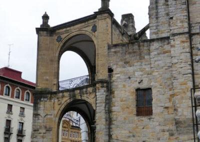 Pórtico renacentista de la iglesia de San Antón