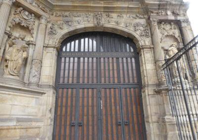 Portada de acceso a la iglesia, Juan de Garita, 1544-1548