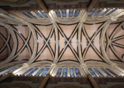 Bóveda de crucería en la nave central