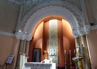 Sagrario metálico, obra de Larrea, en la capilla del Comulgatorio