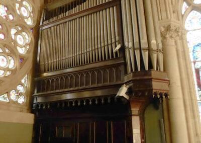 Órgano doble en el coro de la iglesia