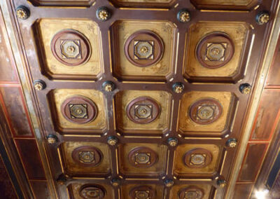 Artesonado de madera policromada en el techo de la capilla de la Venerable Orden Tercera de San Francisco