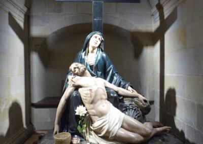 Imagen de la Pasión en el sotocoro de la iglesia, en origen ubicada en la cripta de la Soledad