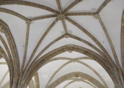 Bóvedas de crucería en la nave central