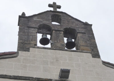 Espadaña de dos huecos para las campanas