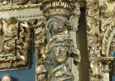 Columnas salomónicas en el retablo mayor