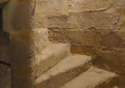 Escalera de piedra para acceder al coro