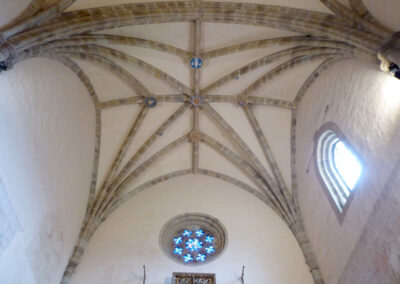 Bóveda de crucería estrellada en la cabecera