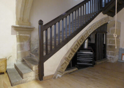 Escalera de piedra de acceso al coro