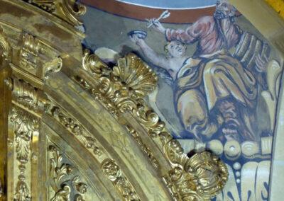 Pechinas decoradas con murales de los evangelistas