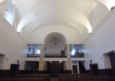 Coro alto a los pies de la iglesia