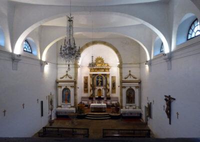 Interior de la iglesia de la Natividad de María