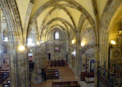 Capillas privadas de estilo renacentista abiertas en las naves laterales
