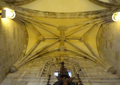 Escudos de Salazar, Muñatones, Uribarri, Butrón y Múgica en la bóveda