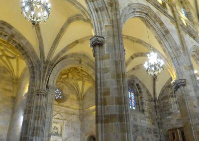 Semicolumnas adosadas a los pilares